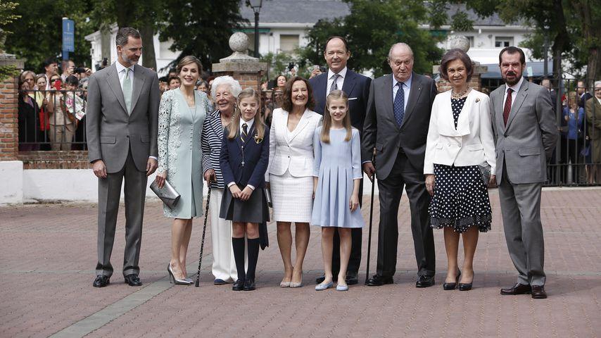 König Felipe, Königin Letizia, Menchu Álvarez del Valle und andere Familienmitglieder