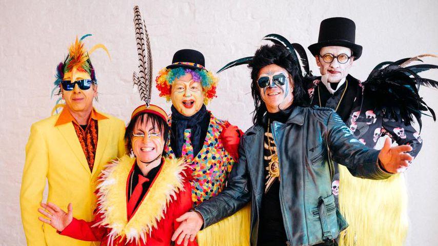 Karnevals-Überraschung: Die Toten Hosen rocken Umzugs-Wagen!