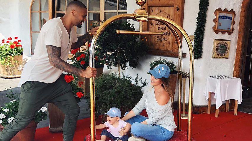 Dominic Harrison mit Ehefrau Sarah und Tochter Mia Rose
