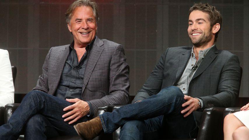 """Don Johnson und Chace Crawford bei einer Pressekonferenz für """"Blood & Oil"""""""
