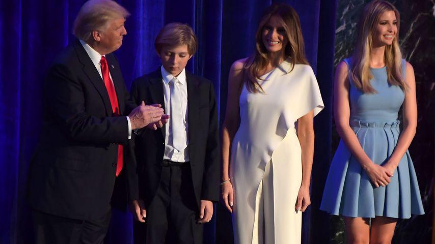 Donald Trump, Frau Melania, Sohn Barron und Tochter Ivanka nach der Wahl zum Präsidenten