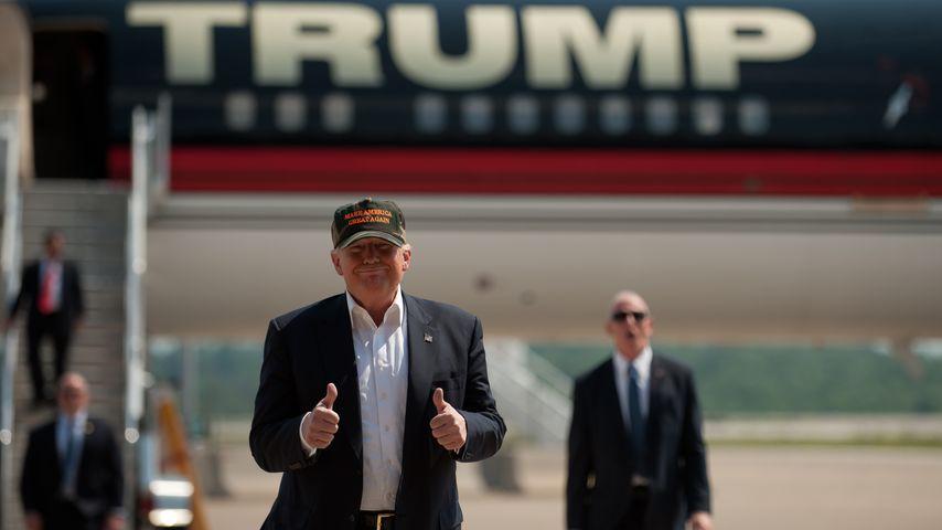 Donald Trump vor seinem Flugzeug in Pennsylvania