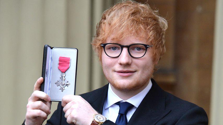 Ed Sheeran bei seiner MBE-Ehrung im Buckingham Palace 2017