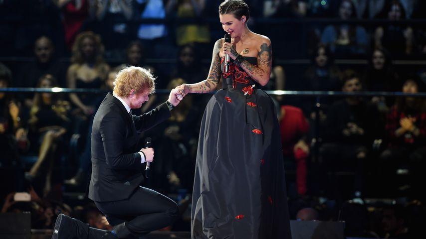 Ed Sheeran und Ruby Rose bei den MTV EMAs 2015