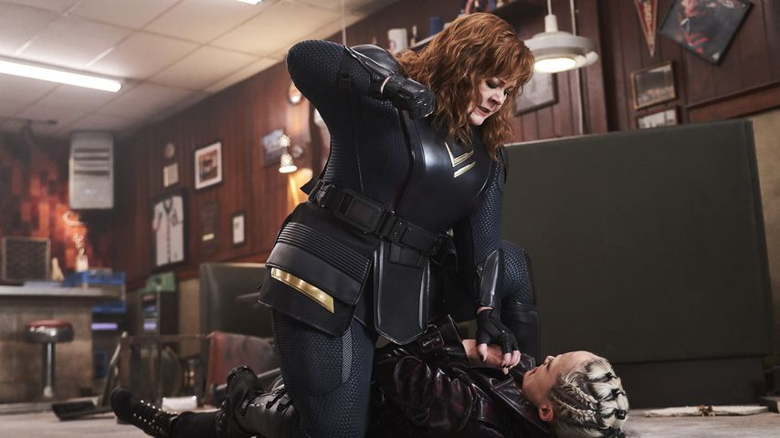 """Eine """"Thunder Force""""-Szene mit Melissa McCarthy und Pom Klementieff"""