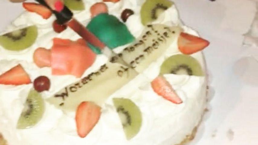 Die Torte, mit der Rafael van der Vaart und Estavana Polman das Geschlecht ihres Baby enthüllten