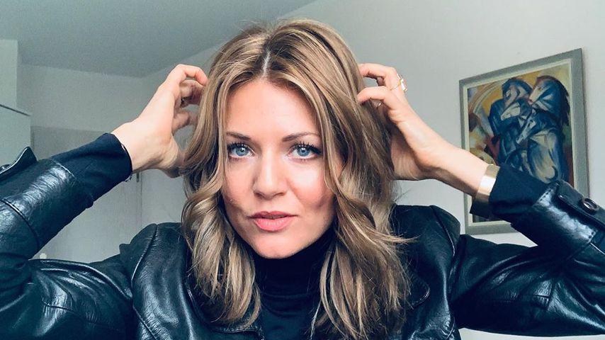 Deutlich dunkler: Ella Endlich präsentiert ihre neue Frisur
