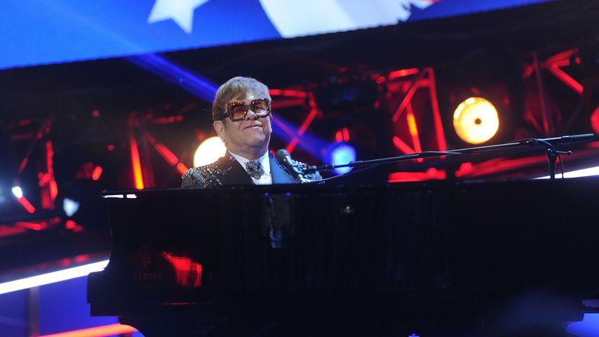 """Elton John bei """"I'm Still Standing - A Grammy Salute"""""""