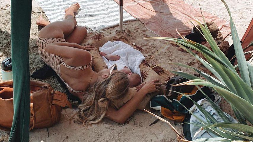Elyse Knowles mit ihrem Baby, März 2021