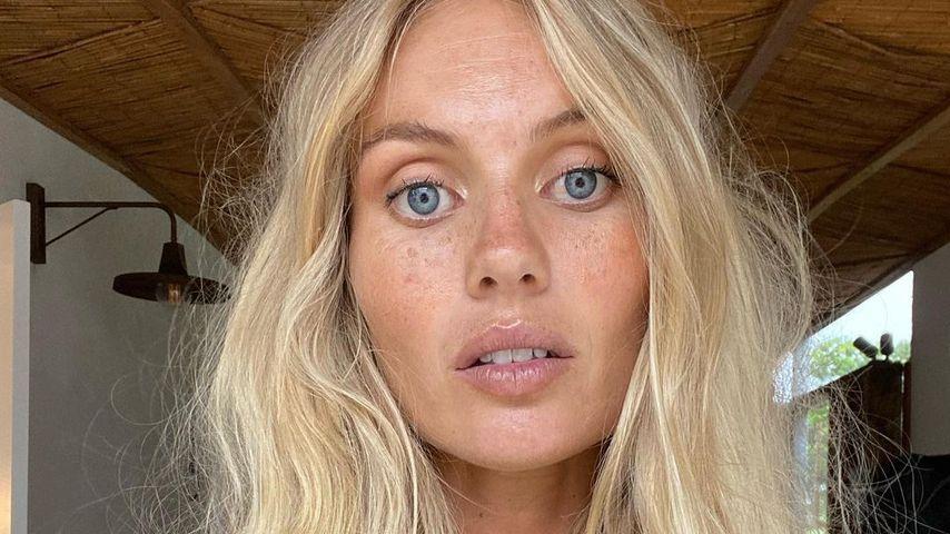 Elyse Knowles, Model