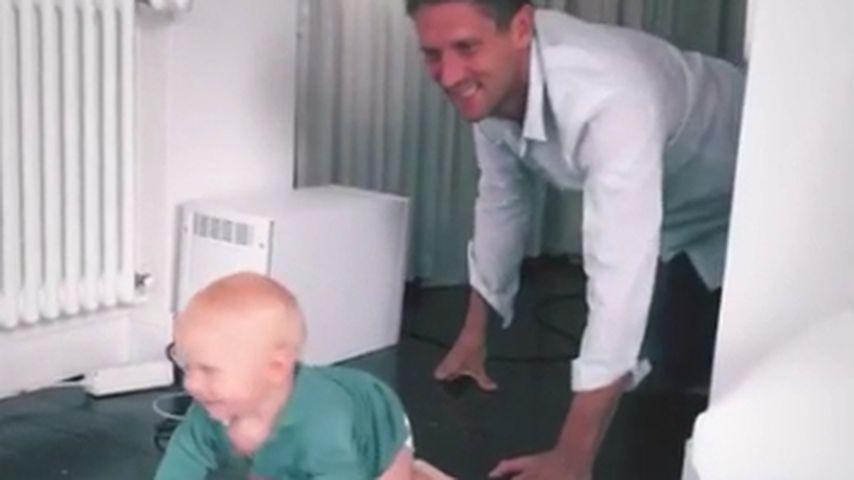 Emil-Ocean: Süßes Krabbel-Wettrennen mit Papa Peer Kusmagk!