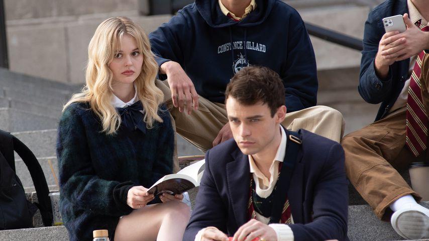 """Emily Alyn Lind und Thomas Doherty bei den Drehrbeiten für das """"Gossip Girl""""-Reboot"""