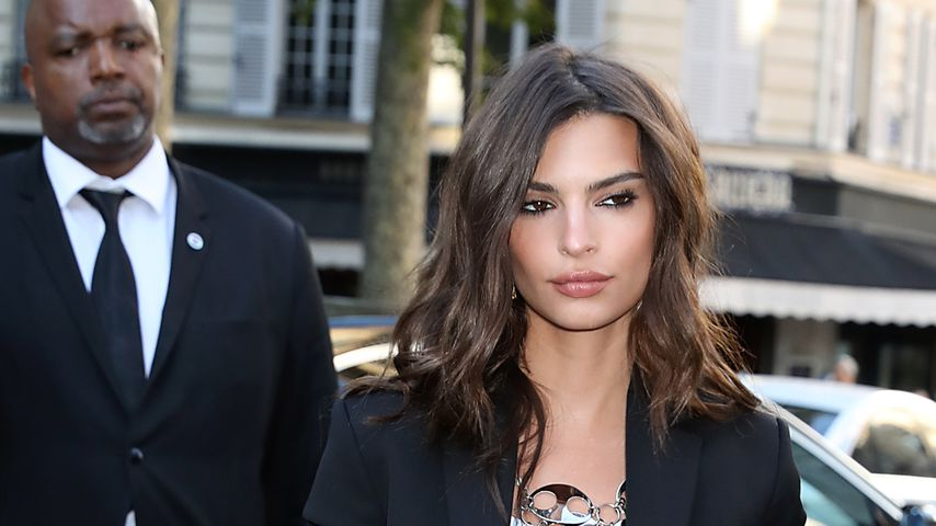 Emily Ratajkowski bei der Vogue-Party der Pariser Fashion Week