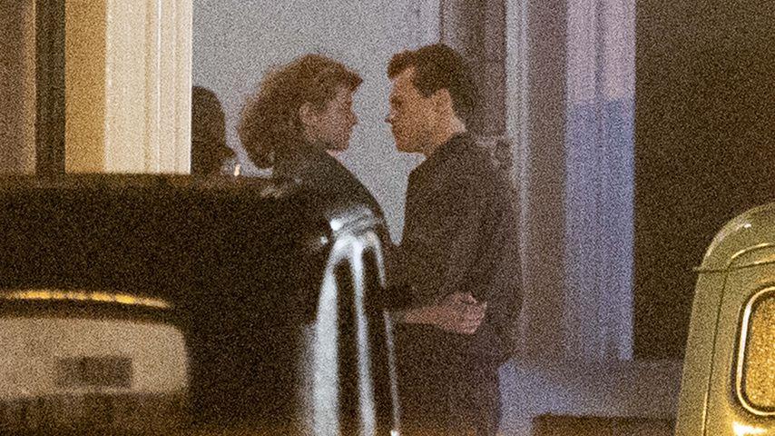 """Emma Corrin und Harry Styles beim Filmdreh für """"My Policeman"""""""