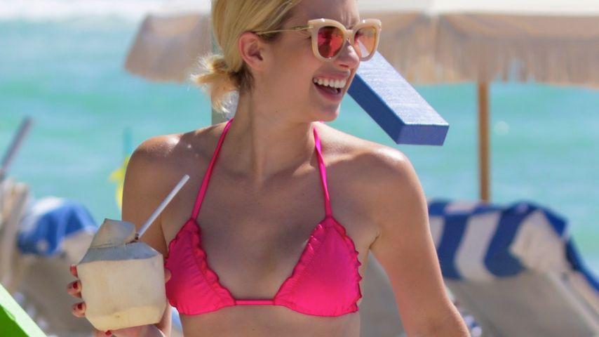 Pinker Vamp am Strand: Emma Roberts mit heißer Bikini-Figur