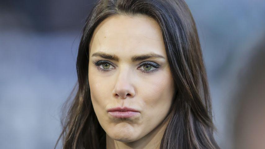 "Trotz Shitstorm: Esther Sedlaczek moderiert TV-""Länderspiel"""