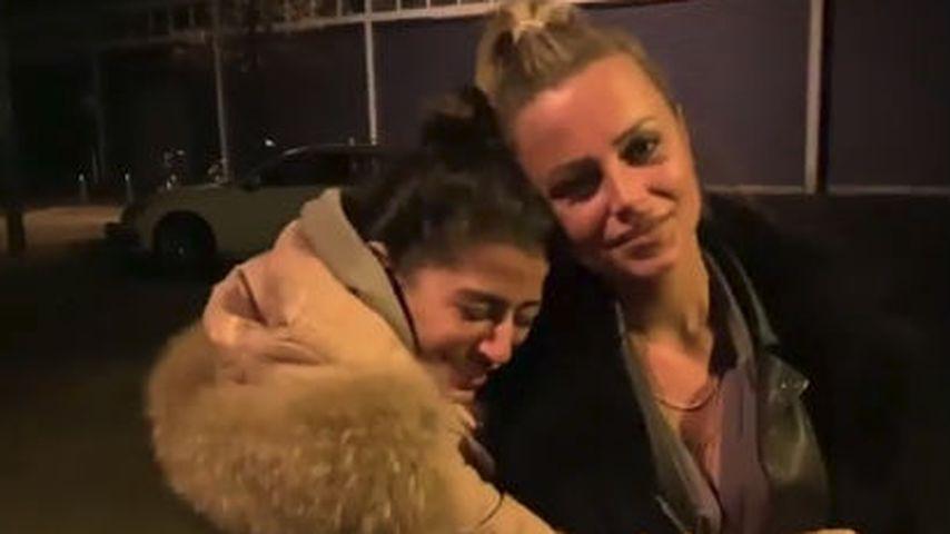 """Eva Benetatou und Jade Übach beim """"Big Brother""""-Auszug"""