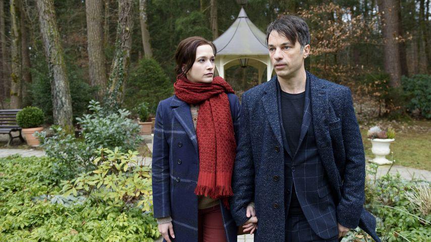 """Eva (Uta Kargel, l.) und Robert Saalfeld (Lorenzo Patané) in der 14. """"Sturm der Liebe""""-Staffel"""