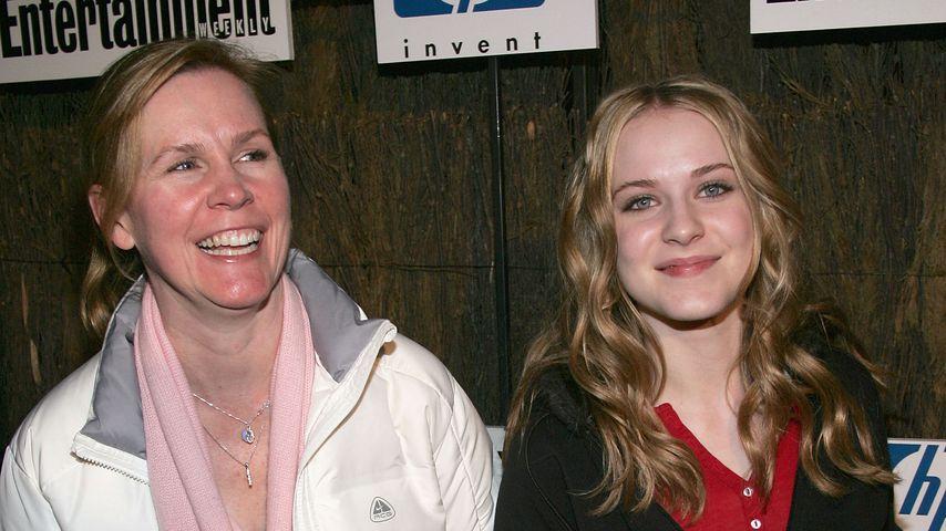 Evan Rachel Wood (r.) mit ihrer Mutter Sara Lynn More