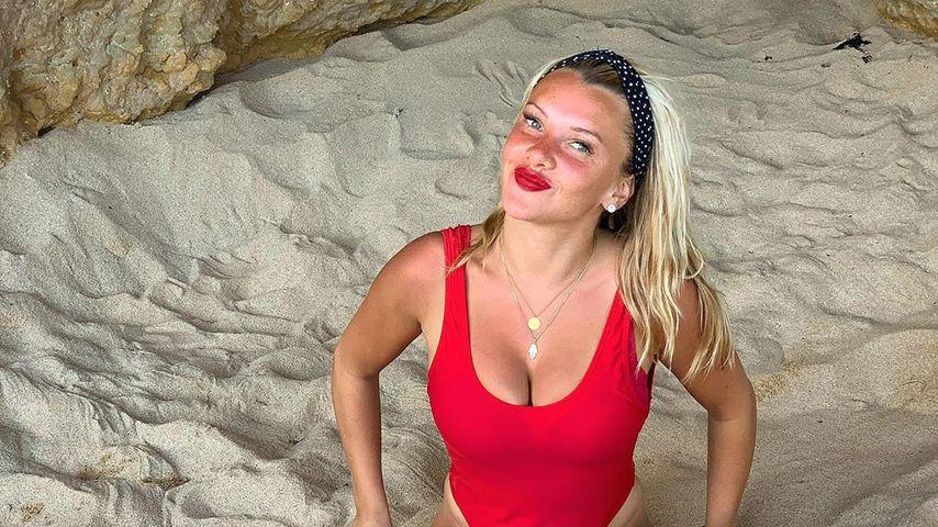 Fake nackt burdecki evelyn Nudes, naked