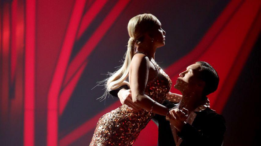 """Evelyn Burdecki und Evgeny Vinokurov in der 5. """"Let's Dance""""-Show"""