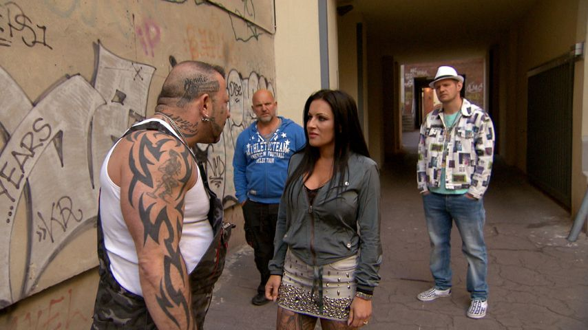 "Fabrizio (Fernando Dela Vega) und JJ (Julia Jasmin Rühle) bei ""Berlin - Tag & Nacht"""