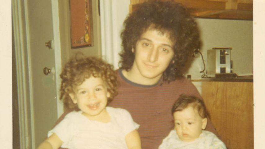 Leah Remini mit ihrem Vater und ihrer Schwester