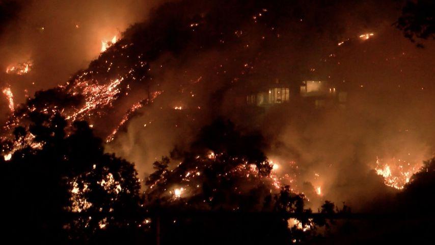 Feuer in der Nähe von Josh Duhamels Anwesen