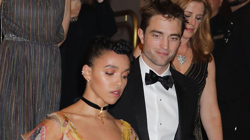 Sängerin FKA Twigs und Schauspieler Robert Pattinson