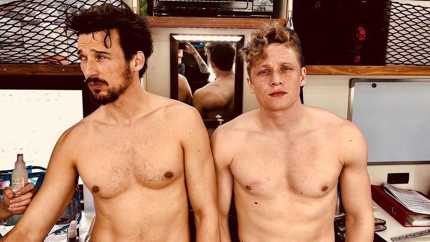 Ständig nackt: Vergleichen Matthias & Florian ihren Body?