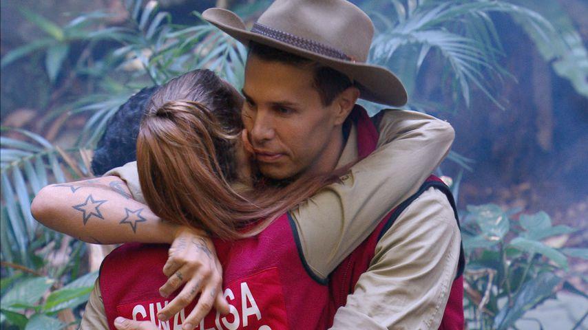 Florian Wess und Gina-Lisa Lohfink bei ihrem Auszug aus dem Dschungelcamp
