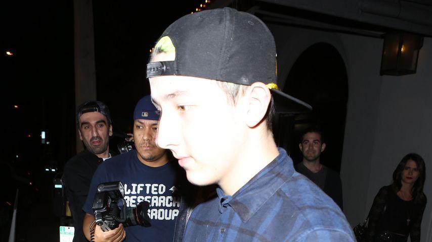 Frankie Jonas im August 2015 beim Verlassen eines Restaurants in Hollywood