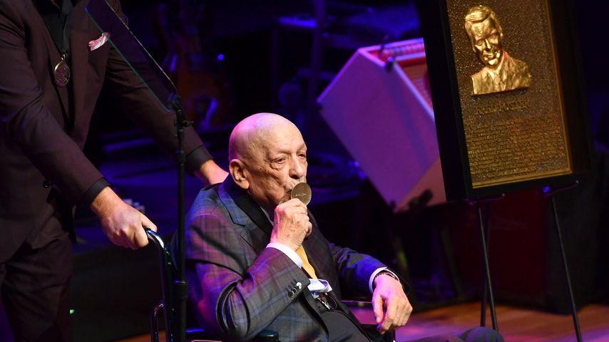 Fred Foster während der Medaillen-Zeremonie in der Country Music Hall of Fame in Nashville