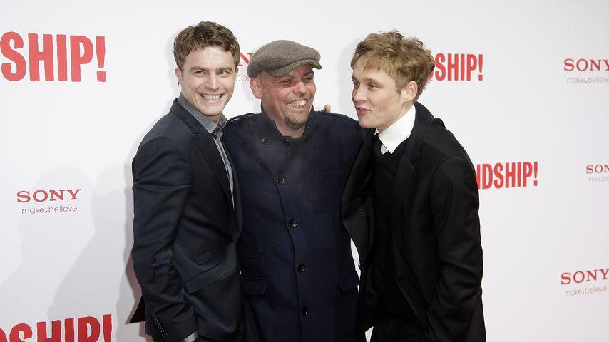 Friedrich Mücke, Tom Zickler und Matthias Schweighöfer bei einer Filmpremiere