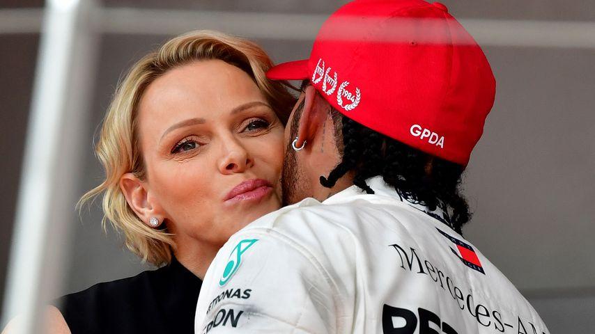 Fürstin Charlène gratuliert Lewis Hamilton zum Sieg des Grand Prix' im Mai 2019