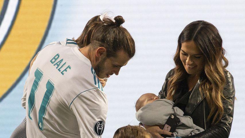 Gareth Bale mit seiner Frau Emma und ihren Kindern 2018 in Madrid