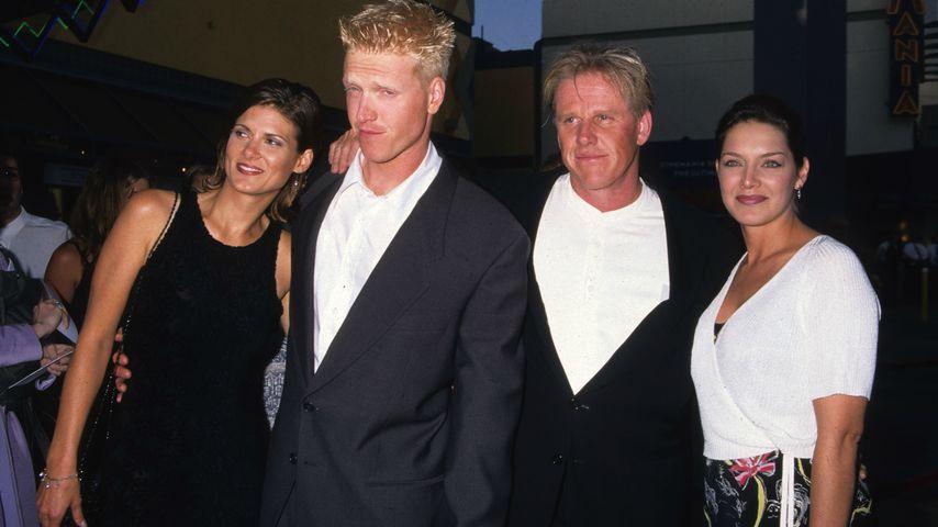 """Jake Busey, Gary Busey und Tiani Warden bei der Premiere von """"The Frighteners"""", 1996"""