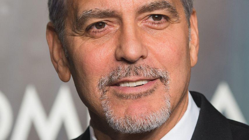 Gegen Babygeschrei: Clooney verteilt Kopfhörer im Flieger