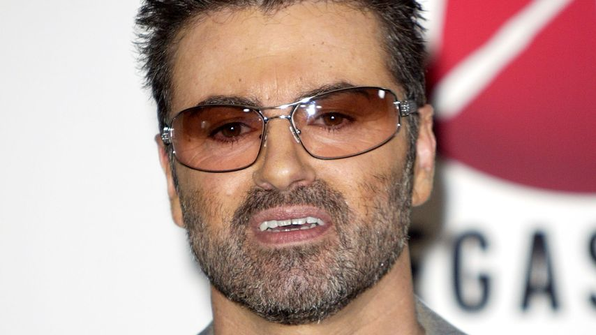 "George Michael beim ""virgin Megastore Hollywood"" 2004"