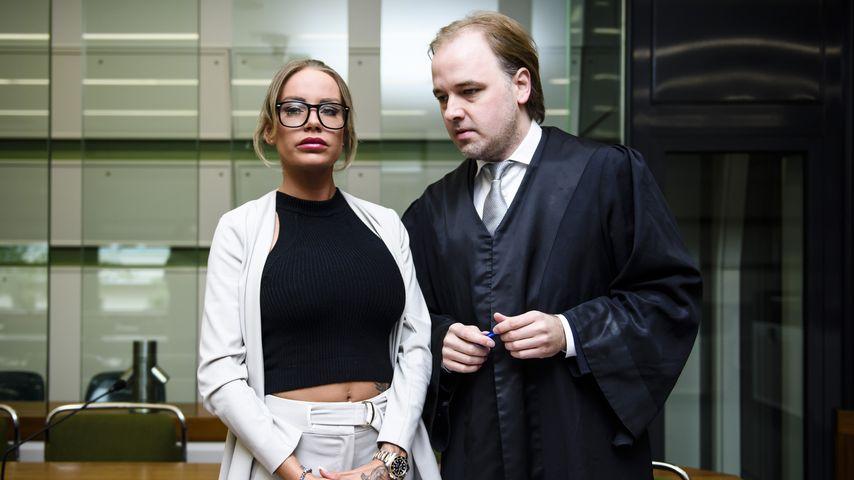Gina-Lisa Lohfink und ihr Anwalt Burkhard Benecken im Amtsgericht Tiergarten