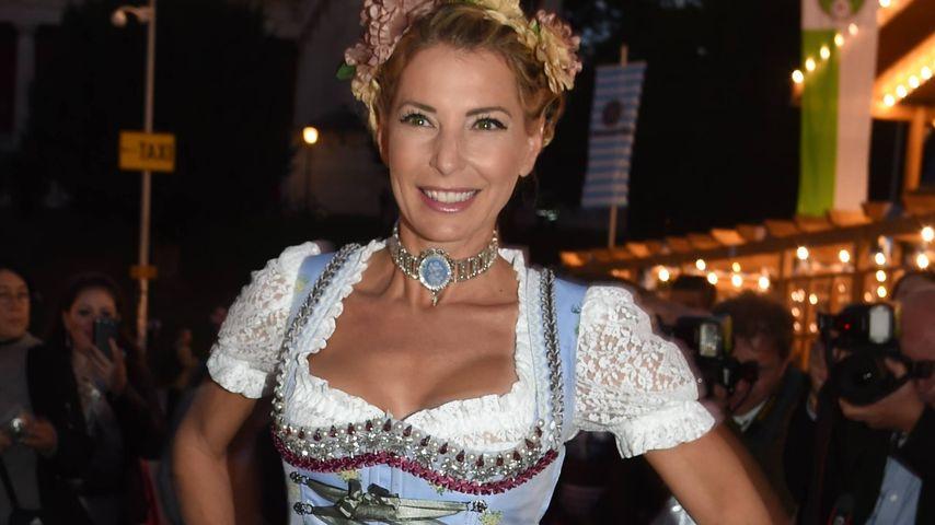 Giulia Siegl dreht auf: Heiße Lesben-Nummer auf der Wiesn