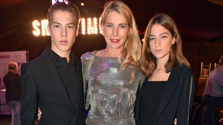 Giulia Siegel mit ihren zweieiigen Twins Nathan und Mia im Oktober 2018
