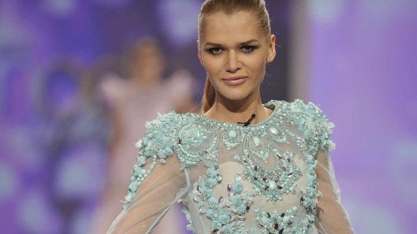 GNTM: Dieser Designer entwirft die Couture-Kleider | Promiflash.de