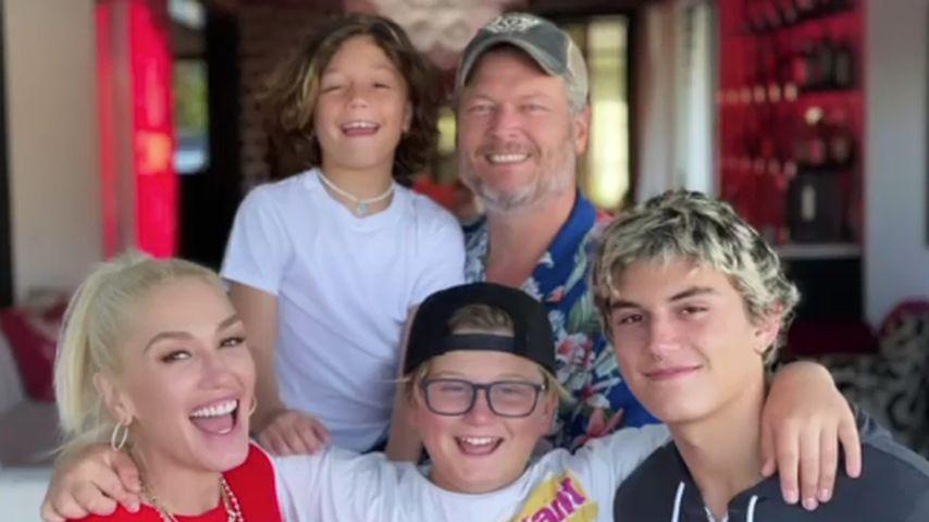 Gwen Stefani mit ihren Kindern Apollo, Zuma und Kingston und ihrem Ehemann Blake Shelton