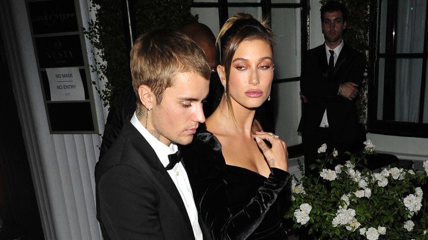 Hailey und Justin Bieber bei einer Ausstellung in Hollywood im Juli 2021