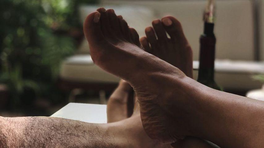 Füße von Halle Berry und einem Unbekannten, Juli 2020