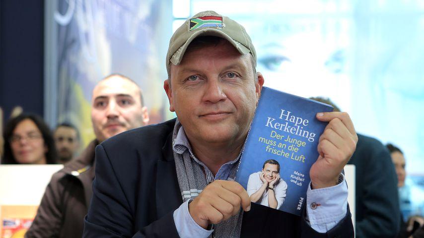 Hape Kerkeling mit seiner Autobiografie