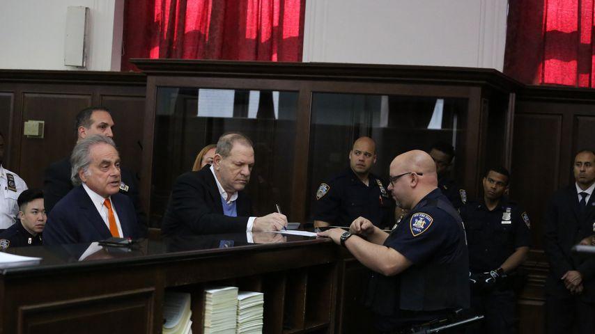 Harvey Weinstein (m.) im Gericht, Mai 2018