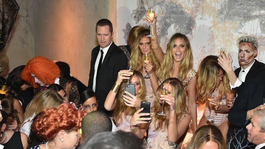 Heidi Klum und andere Gäste auf ihrer Halloween-Party in New York