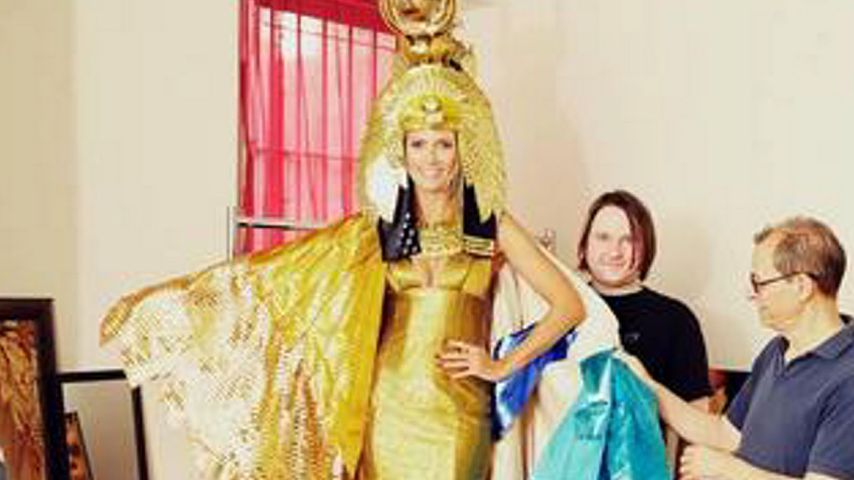 Heidi Klum zeigt vorab ihr Halloween-Kostüm 2012